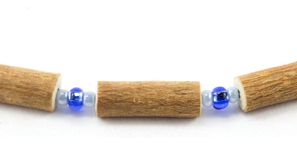 Collier de noisetier avec billes bleues